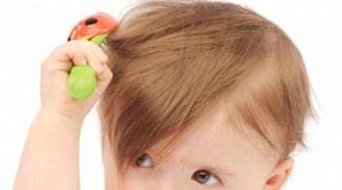 孩子头发稀疏怎么办,在生活中如何预防?