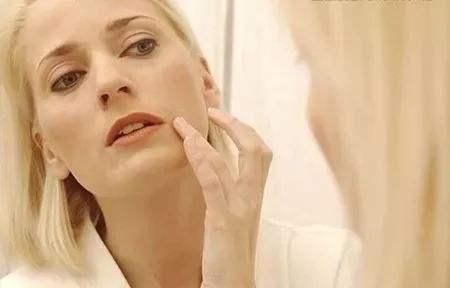 如何定义肌肤初老?抗初老护肤品什么时候开始用?